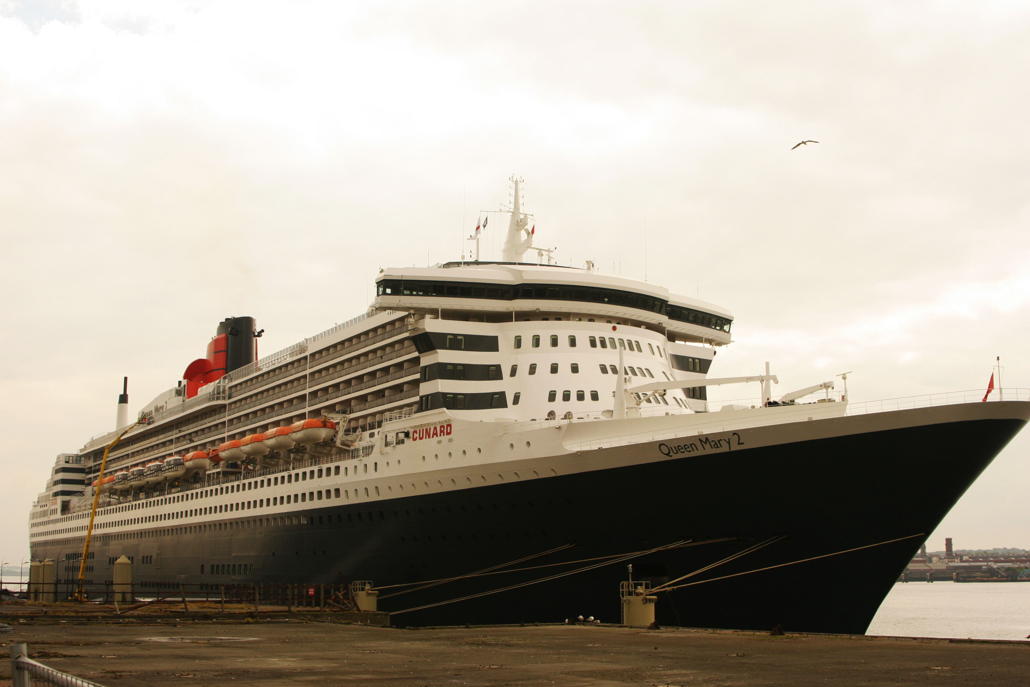 queen mary 2 in liverpool briansimpsons. Black Bedroom Furniture Sets. Home Design Ideas